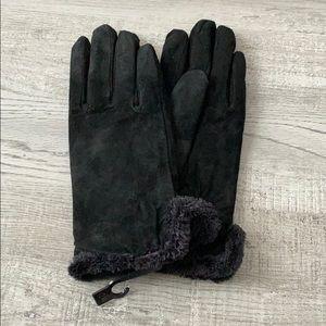 NWOT Isotoner Faux Suede Gloves Medium